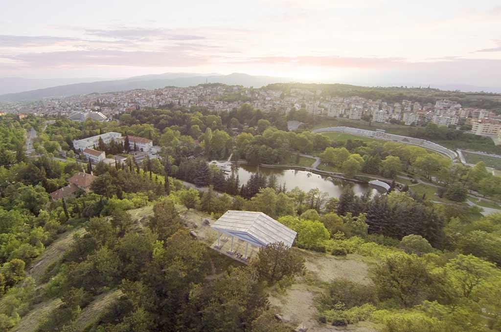 Птичи поглед от Акропола с панорамна гледка към Сандаски